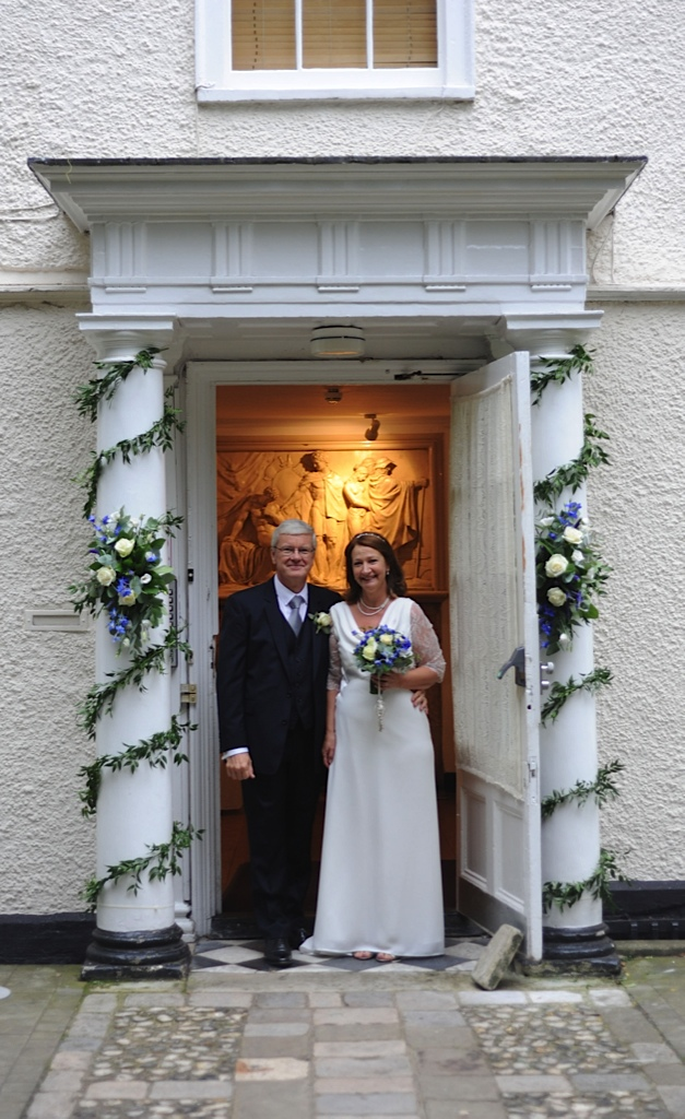 Bride and Groom in entrance to Lower Gallery