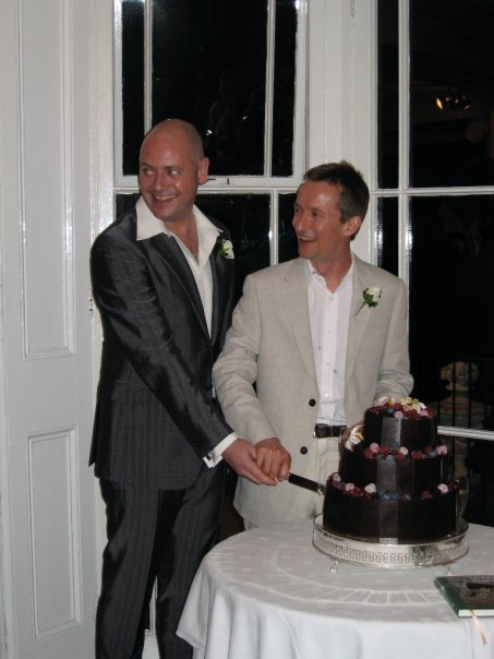 Cutting the cake in the Lower Gallery